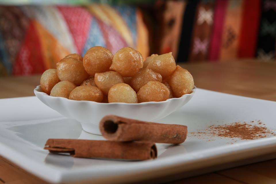 LOKMA, unsere HAUSSPEZIALITÄT, VEGAN, Teigbällchen mit Zuckersirup glasiert, auf Wunsch mit Zimt bestreut